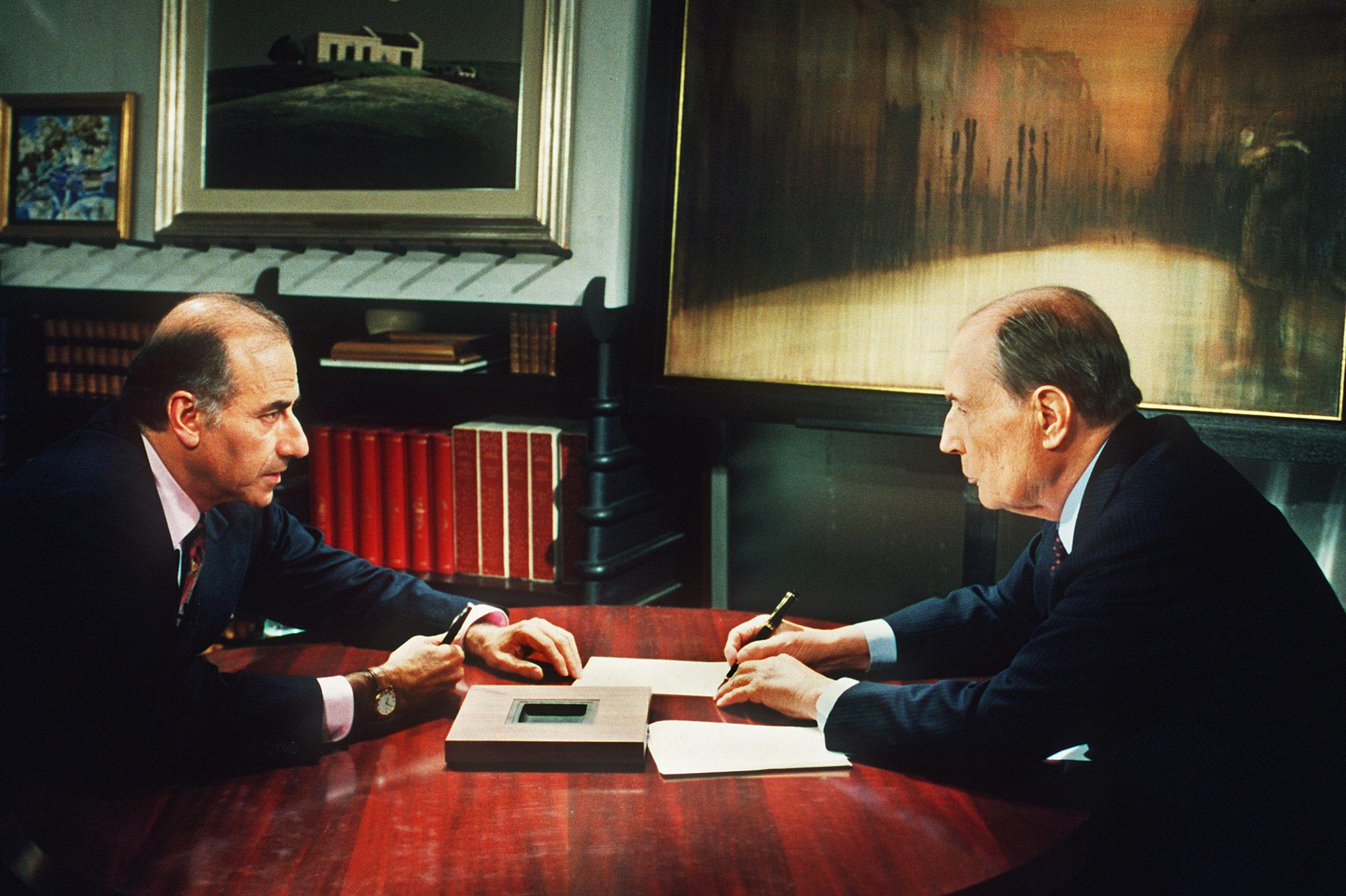 Jean-Pierre Elkabbach face à François Mitterrand en 1991