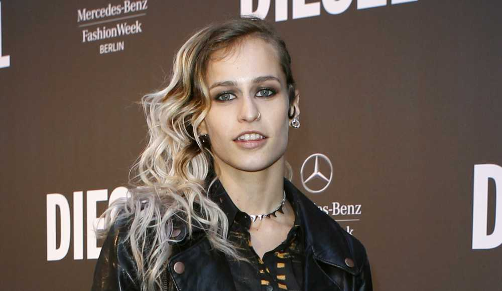 Alice Dellal couple
