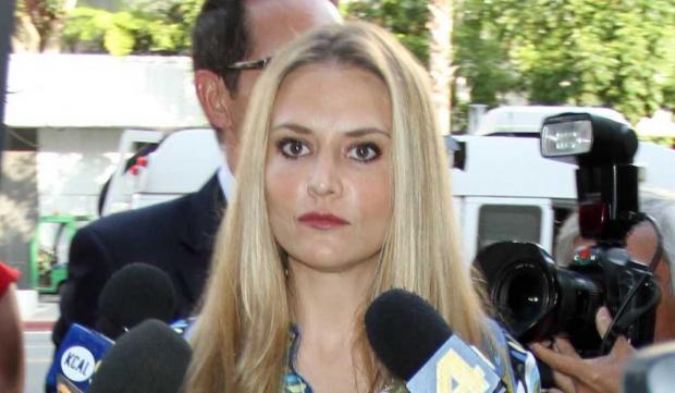 Brooke Mueller à la sortie du tribunal-