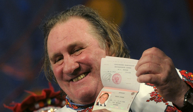Depardieu passeport-