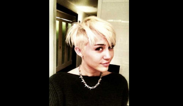 Miley Cyrus cheveux courts -