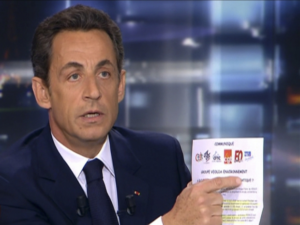 Nicolas Sarkozy TF1 document syndicats 250110 776x581-
