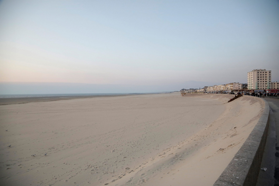 d couverte morte sur la plage la myst rieuse fillette de berck sur mer. Black Bedroom Furniture Sets. Home Design Ideas