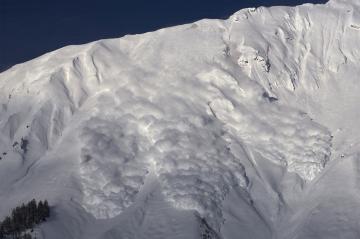 drame-en-is%C3%A8re-un-randonneur-p%C3%A9rit-dans-une-avalanche