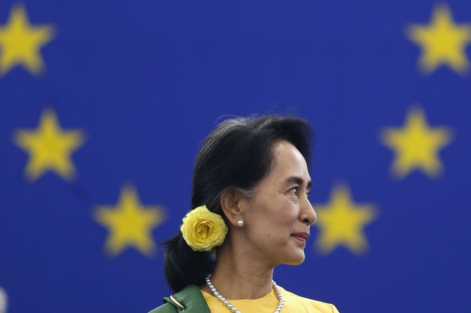 Aung San Suu Kyi honorée, 23 ans après