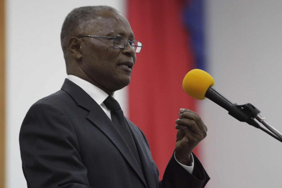 Jocelerme Privert Haïti a un président provisoire