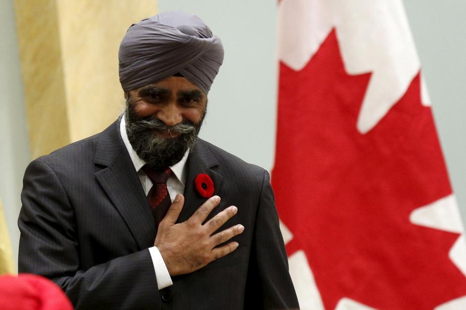 Ministre canadien de la d fense harjit sajjan un for Ministre de defense