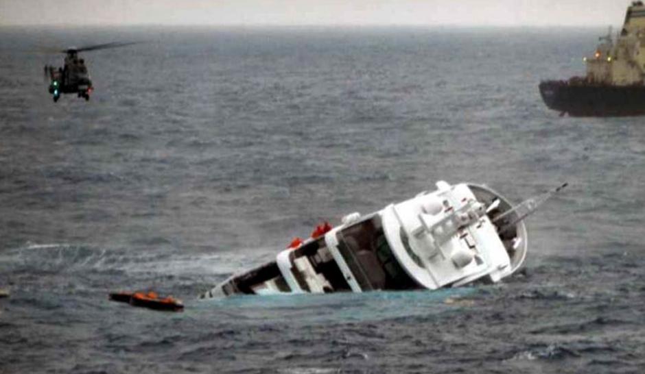 """Naufrage du """"méga yacht"""" de Stéphane Courbit"""