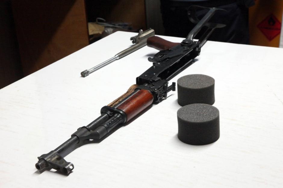 Attentats du 13 novembre les kalachnikov des terroristes - Office du tourisme d allemagne a paris ...