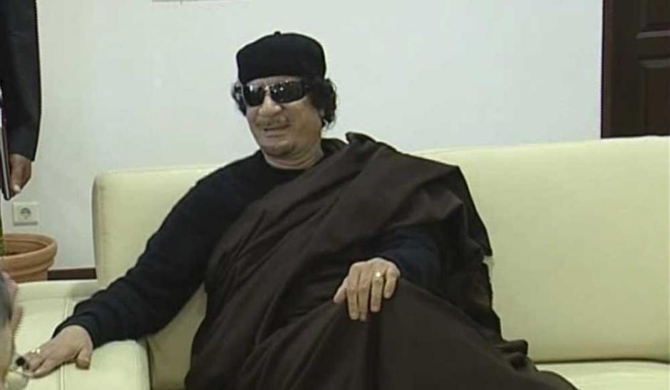 kadhafi poursuivi pour la disparition d 39 un fran ais. Black Bedroom Furniture Sets. Home Design Ideas