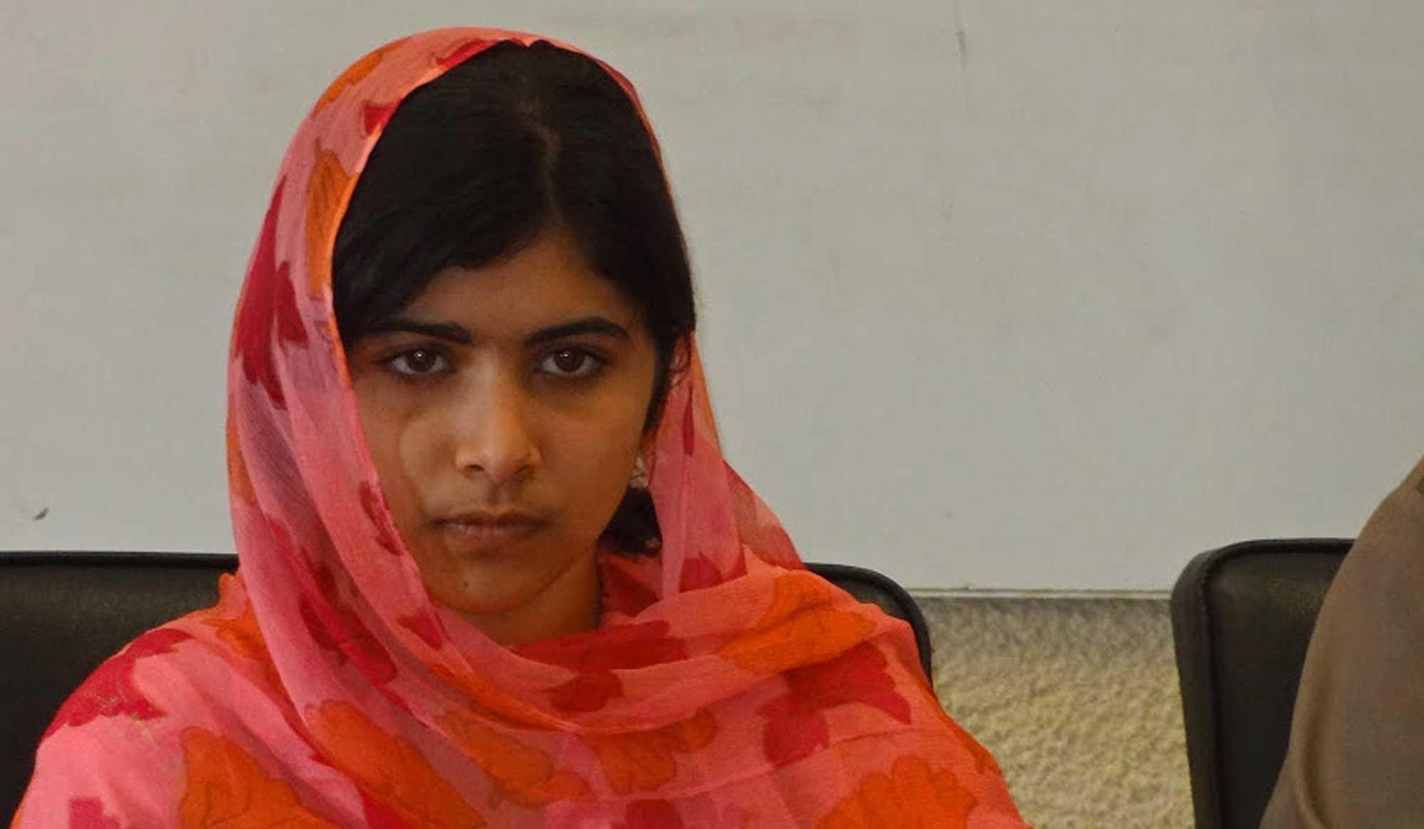 malala la petite fille qui fait peur aux talibans. Black Bedroom Furniture Sets. Home Design Ideas