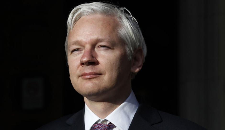 Julian Assange sur un plateau