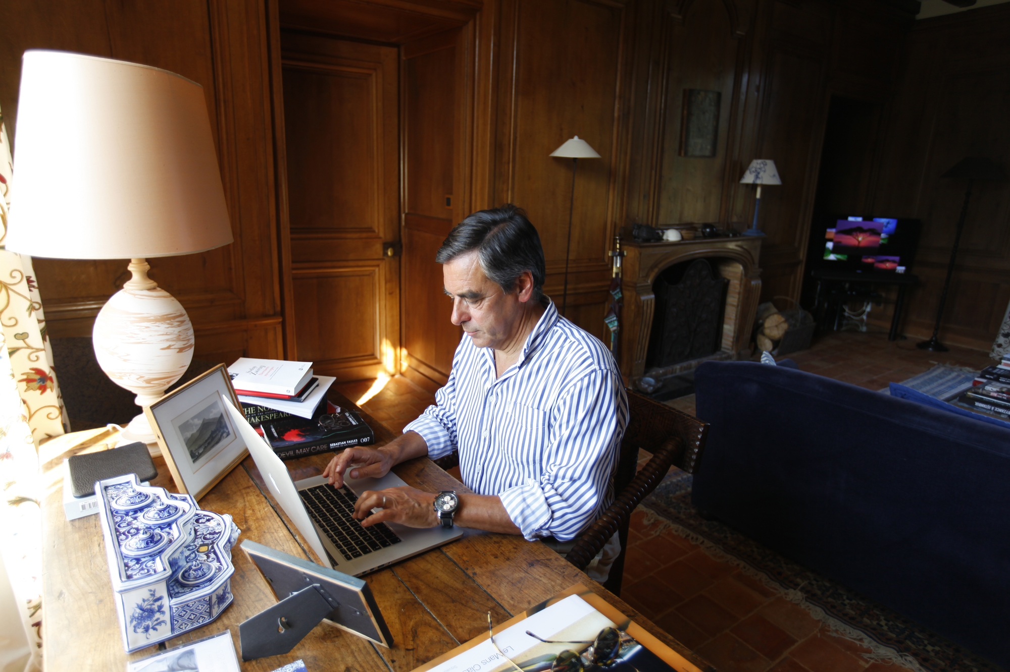 interview exclusive fran ois fillon l 39 assommoir fiscal. Black Bedroom Furniture Sets. Home Design Ideas