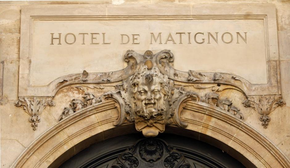 http://cdn-parismatch.ladmedia.fr/var/news/storage/images/paris-match/actu/politique/qui-sera-le-prochain-premier-ministre-155890/1579312-1-fre-FR/Hollande-et-Sarkozy-face-au-dilemme-de-Matignon_article_landscape_pm_v8.jpg