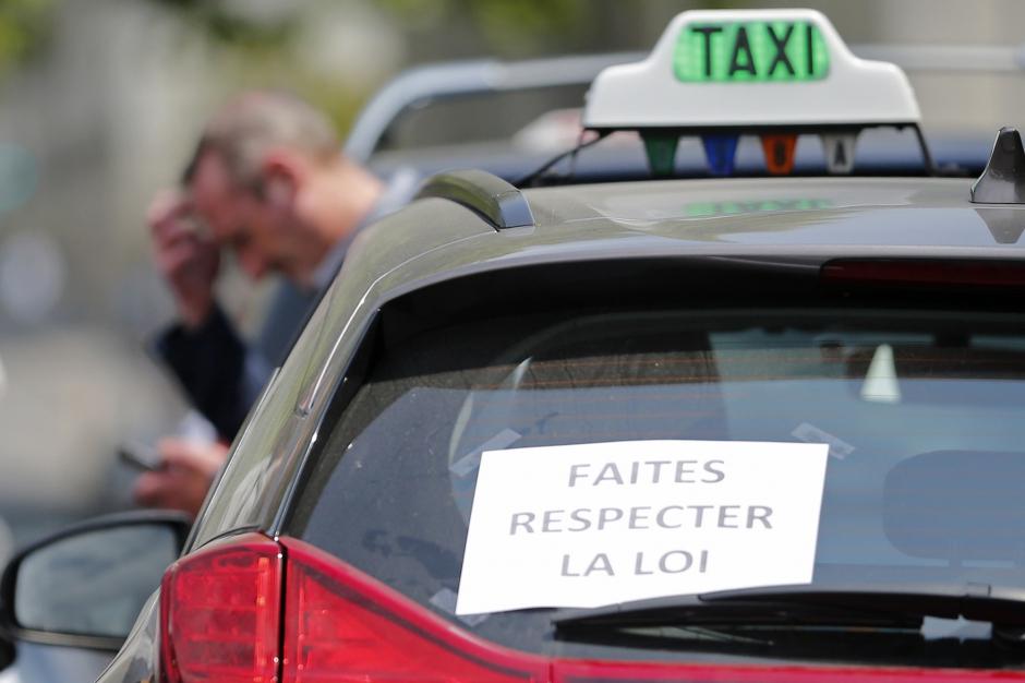 premier jugement chauffeur uber 1 chauffeur de taxi 0. Black Bedroom Furniture Sets. Home Design Ideas