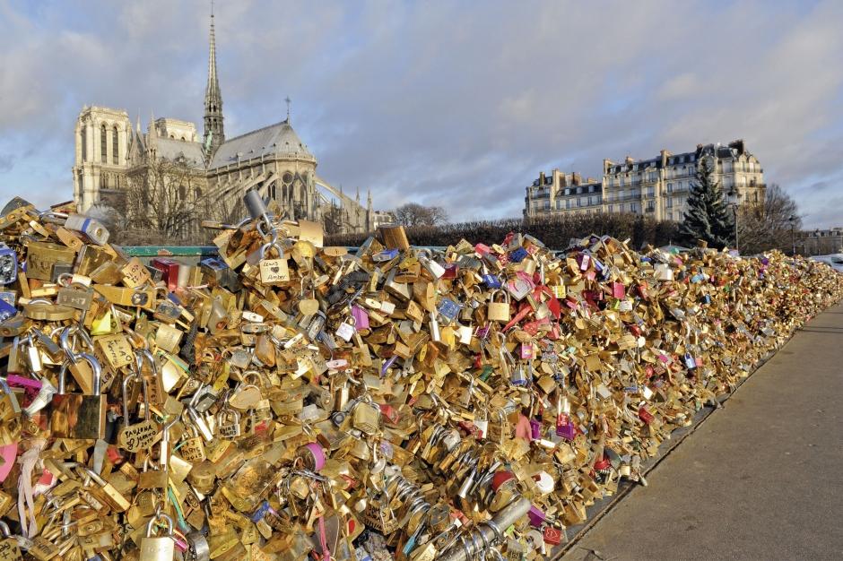 Paris romantique les cadenas d 39 amour - Cadenas amoureux pont paris ...