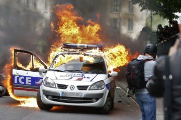 malgré nos differences soutiens au ultras parisiens