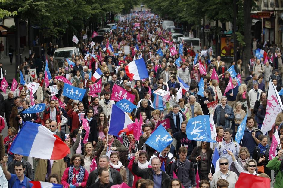 150 000 personnes paris mobilisation massive contre le mariage homosexuel. Black Bedroom Furniture Sets. Home Design Ideas
