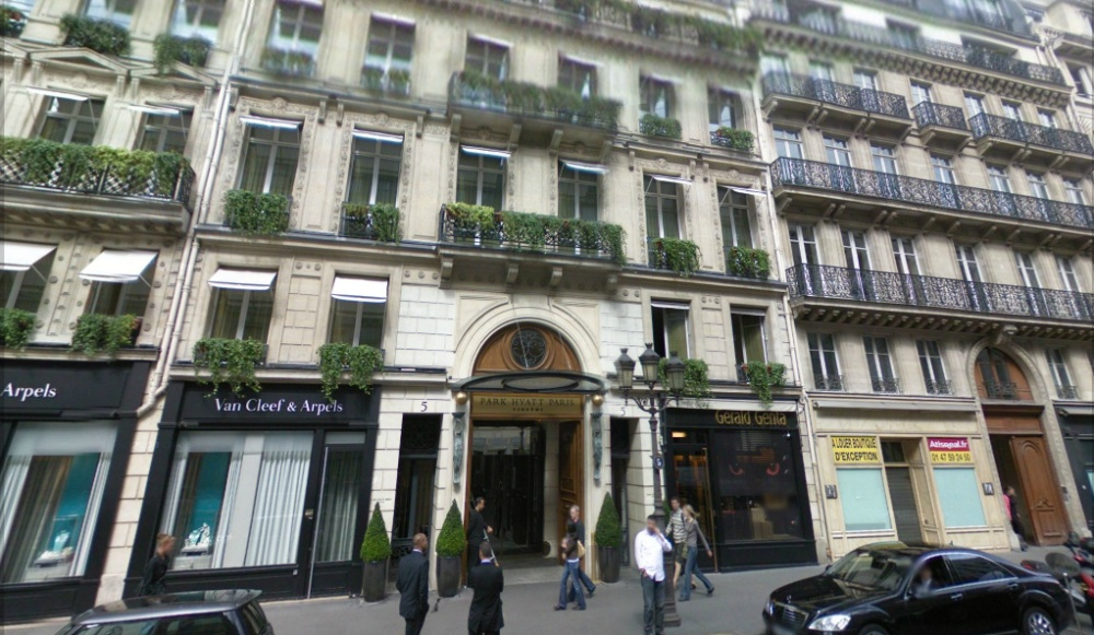 Paris une femme de chambre agress e dans un grand h tel - Emploi femme de chambre a paris ...