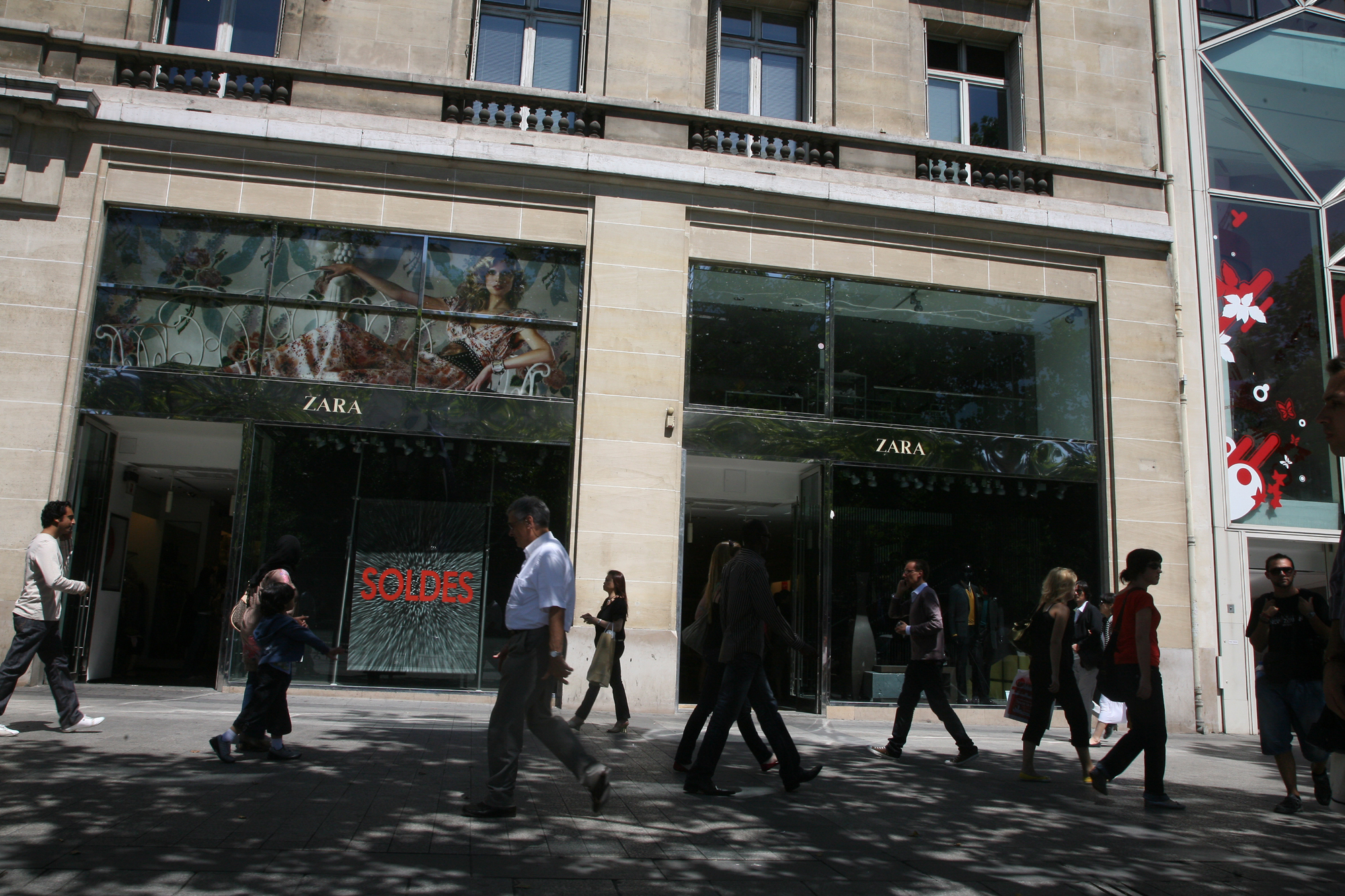 Mauvais buzz zara retire de la vente un tee shirt for Vente lieu atypique paris