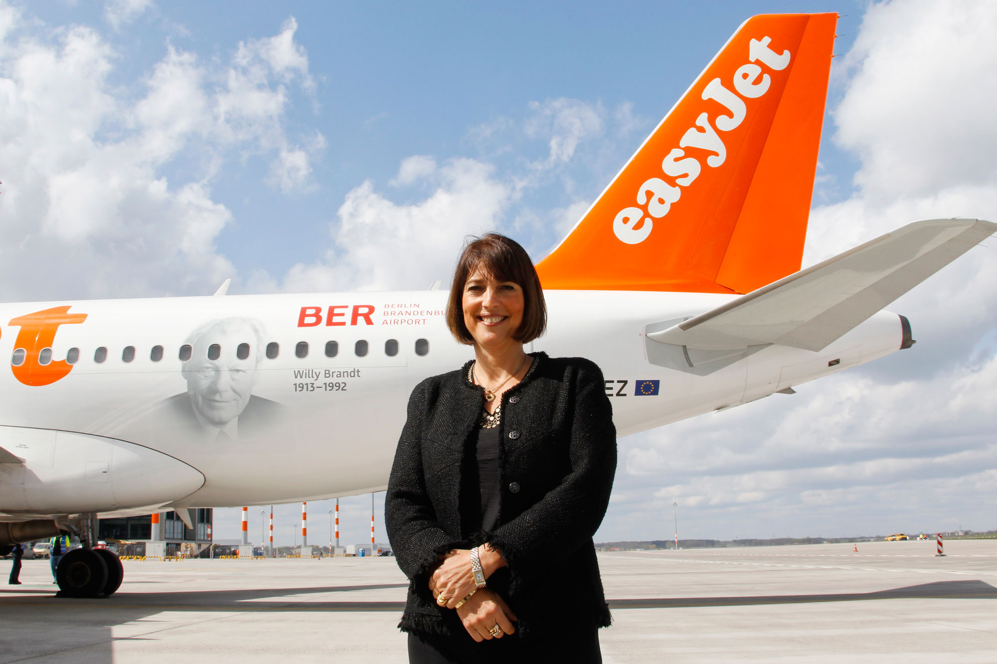 carolyn mccall ca plane pour easyjet. Black Bedroom Furniture Sets. Home Design Ideas