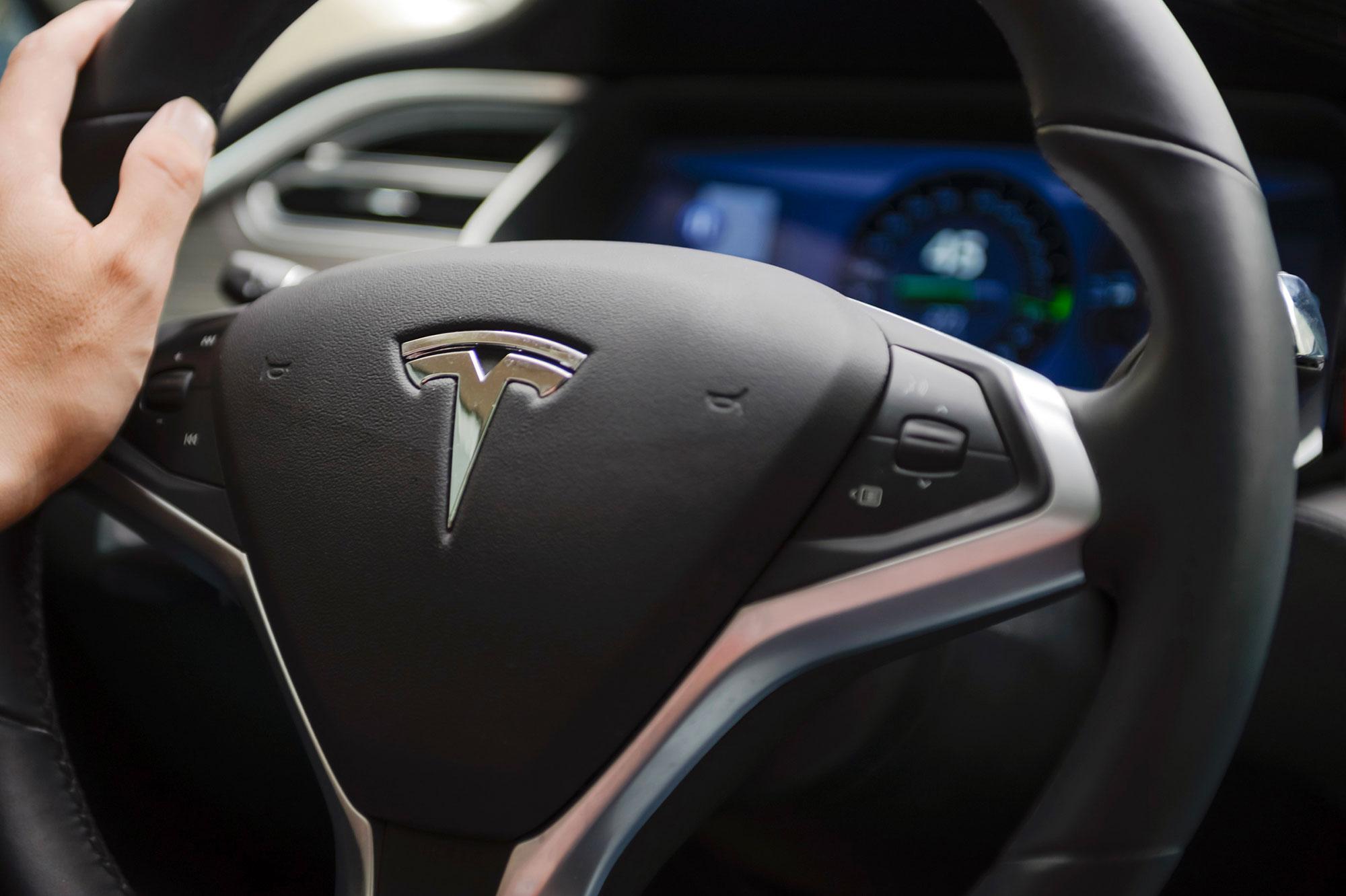 Le-pere-de-l-automobiliste-tue-dans-une-Tesla-porte-plainte Terrific Ferrari Mondial Le Bon Coin Cars Trend