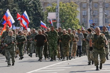 demonstration de force pour les rebelles pro russes