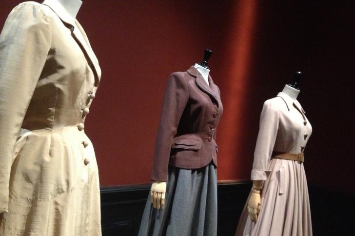 Redécouvrez les bases de la mode à l'expo à Galliera !