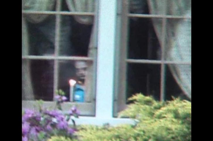 Un fantôme à la fenêtre