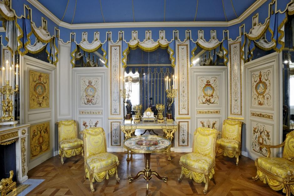 Louvre des pi ces vraiment ma tresses for Salon du louvres
