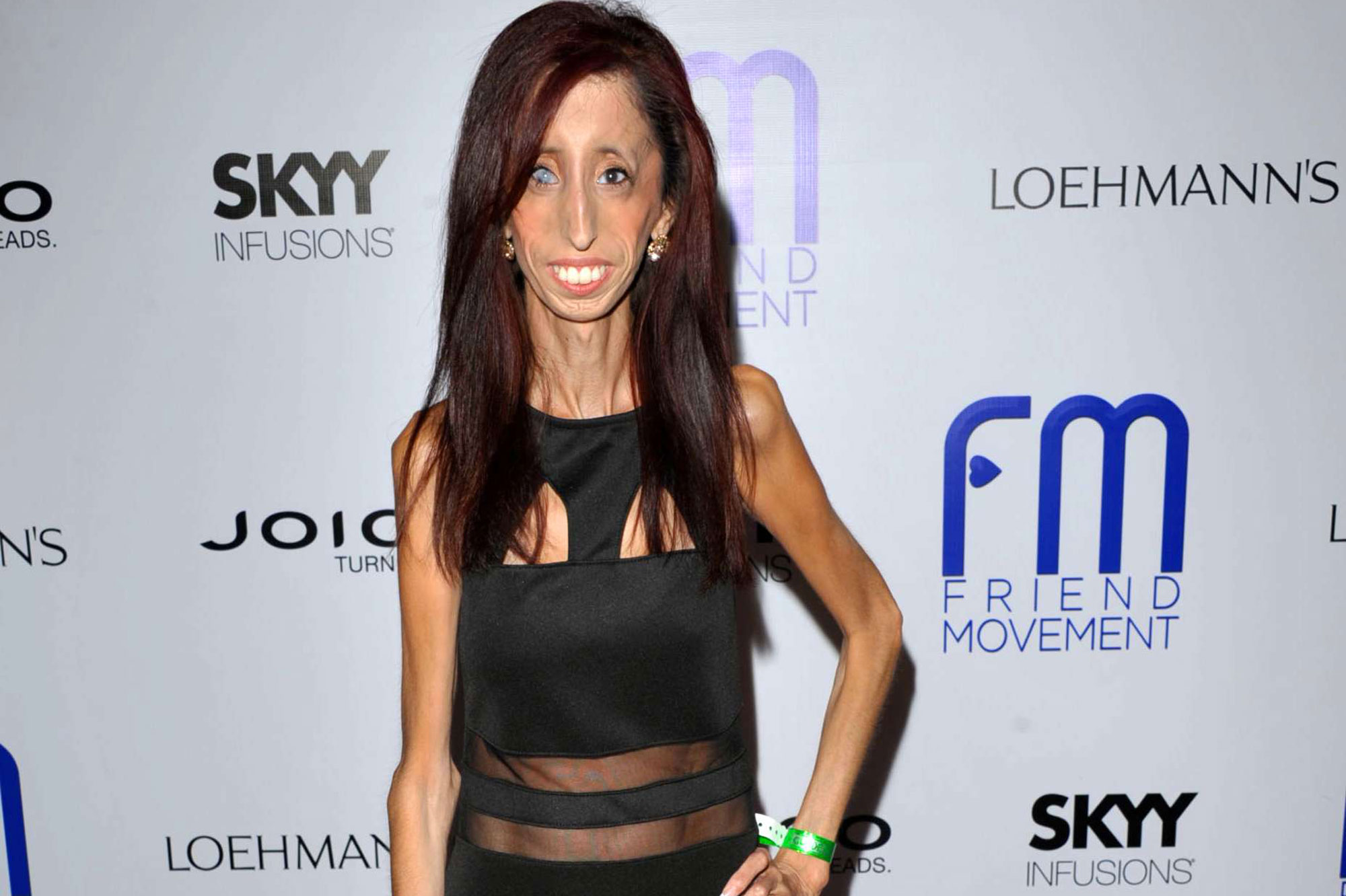 lizzie velasquez la le on de vie de la femme la plus laide du monde. Black Bedroom Furniture Sets. Home Design Ideas