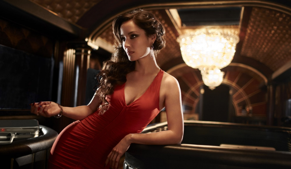 Bérénice Marlohe, James Bombe Girl franco-khmer