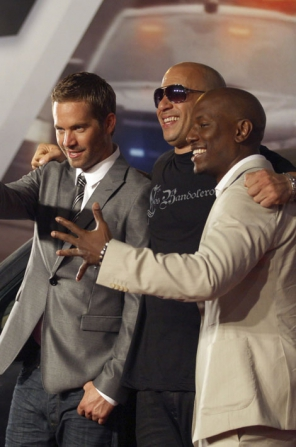 mort de paul walker vin diesel et tyrese gibson sous le choc. Black Bedroom Furniture Sets. Home Design Ideas