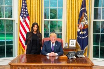 "Kim Kardashian souhaite voir Donald Trump ""réussir"""