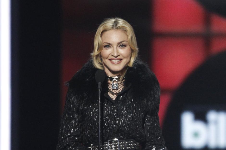 Avec son niqab, Madonna fâche tout le monde