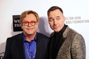 """Il a dit """"oui"""" à David Furnish - Elton John est un homme marié"""
