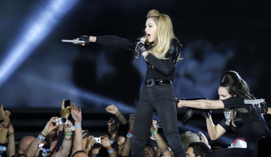 Madonna sort les colts contre le FN