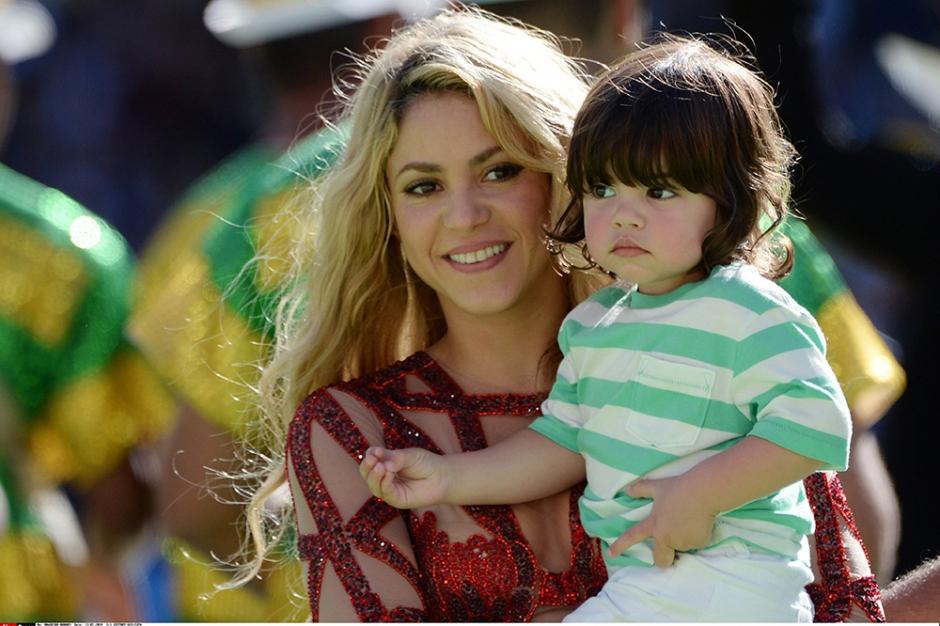 Shakira et son fils lors de la cérémonie de clôture de la coupe du monde, en juillet 2014