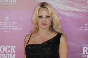 Pamela Anderson demande à Kim Kardashian de bannir la fourrure