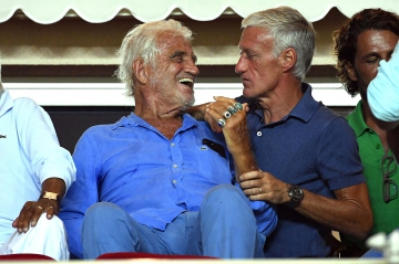Quand Jean-Paul Belmondo croise Didier Deschamps à un match de foot