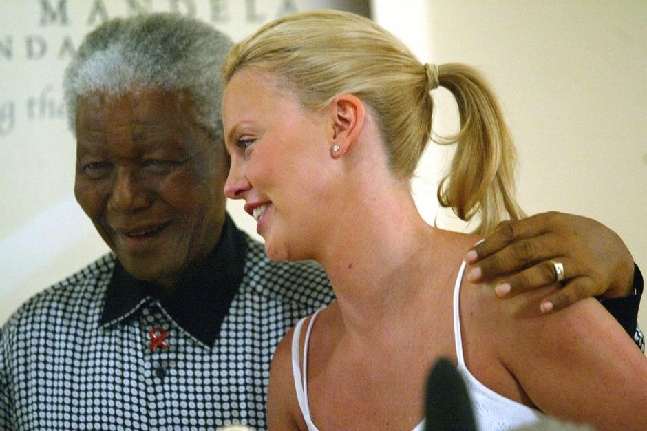 Les stars rendent hommage à Nelson Mandela