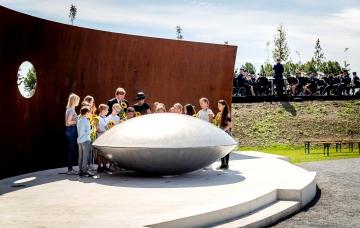 Maxima Et Willem Alexander A� L'inauguration D'un Memorial Pour Les Victimes Du Crash Du Vol MH17 De La Malaysia Airlines 15