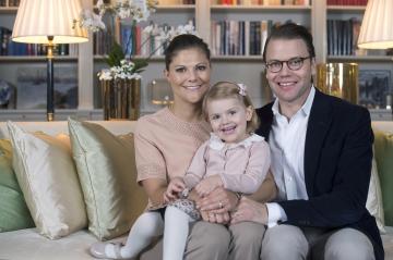 Les futures reines de Suède - Victoria et Estelle, photos de famille
