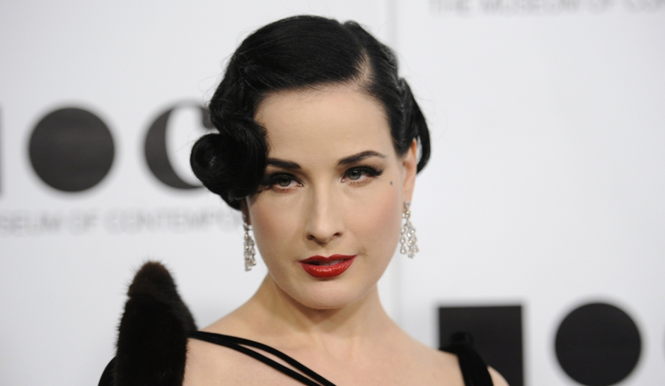 dita von teese la lingerie s mancipe. Black Bedroom Furniture Sets. Home Design Ideas