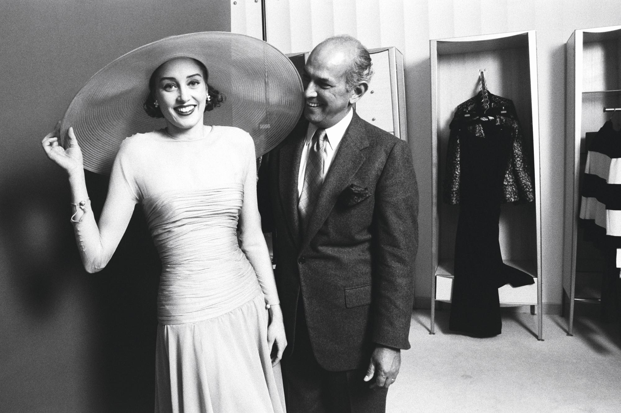 il habillait les stars oscar de la renta le couturier qui aimait les femmes. Black Bedroom Furniture Sets. Home Design Ideas