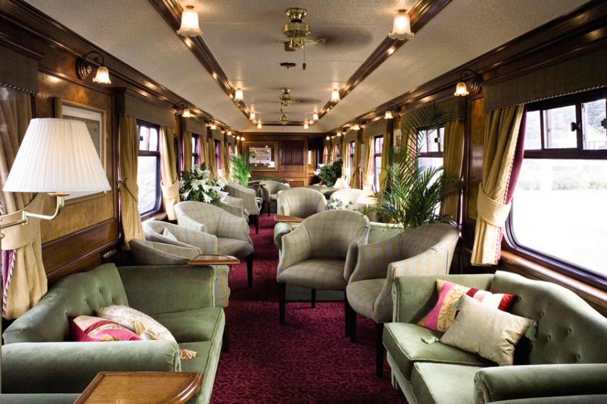 En images les plus beaux trains du monde for Le plus beau canape du monde